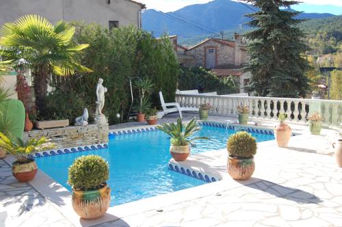B&B Villa du Pont : Bed and Breakfast near Corneilla-de-Conflent