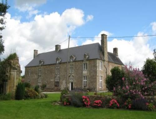Chambre d'hôtes La Cour : Bed and Breakfast near Néhou