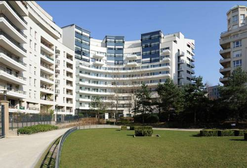 Residhome Courbevoie La defense : Guest accommodation near Colombes