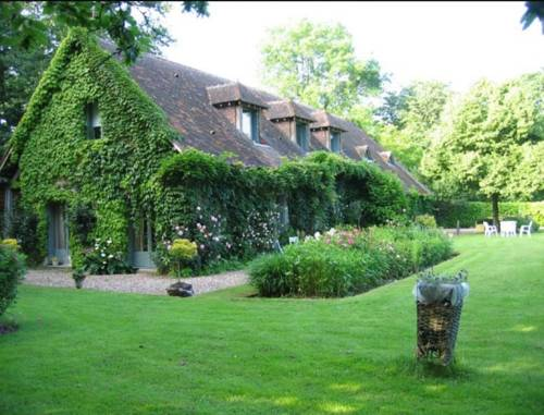 Logis de la Paqueraie : Bed and Breakfast near Cormery