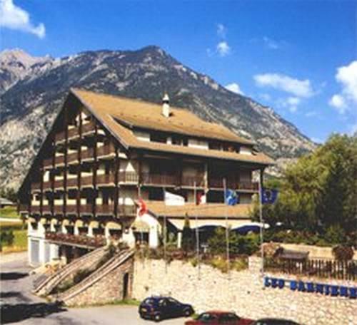 Hotel Restaurant Les Barnieres : Hotel near Guillestre