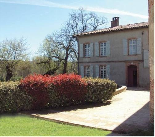Domaine de Belcayre : Bed and Breakfast near Montauban