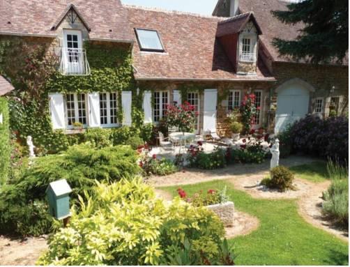 Le Haut Montrayé : Guest accommodation near Condé-sur-Sarthe