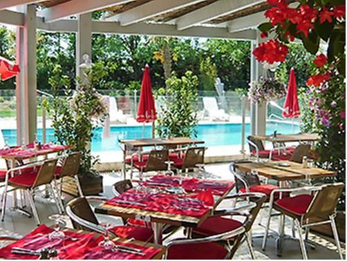 Salon de provence map of salon de provence 13300 france for 13300 salon de provence