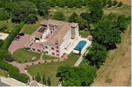 Château de Scandaillac : Guest accommodation near Saint-Étienne-de-Villeréal