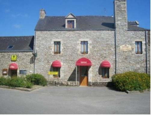 Auberge Saint Hernin : Guest accommodation near Bohal