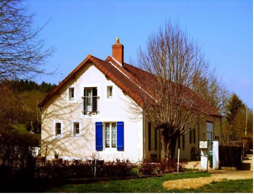 La Parisienne des Amognes : Bed and Breakfast near Ourouër