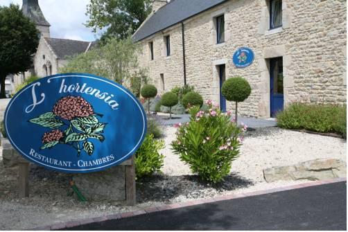 Hôtel l'Hortensia : Hotel near Theix