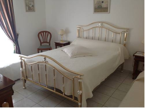 Maison Tobias : Bed and Breakfast near Jossigny