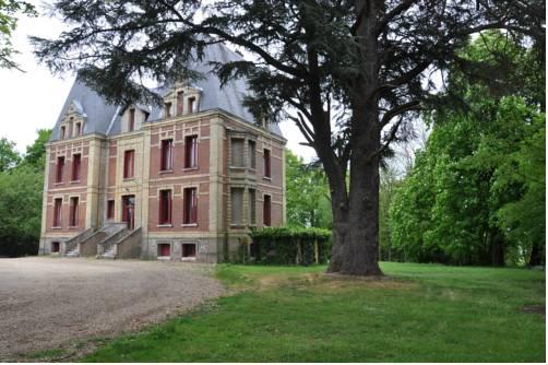 Château De La Croix Bizet : Guest accommodation near Moulineaux