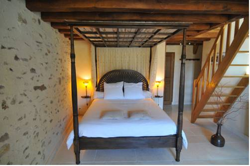 La Ferme de Fontenelle : Bed and Breakfast near Chartronges