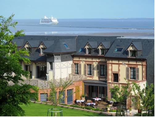 Domaine du Clos Fleuri - Spa : Bed and Breakfast near Le Havre