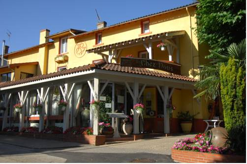 Hôtel Chez Nous : Hotel near Tramoyes