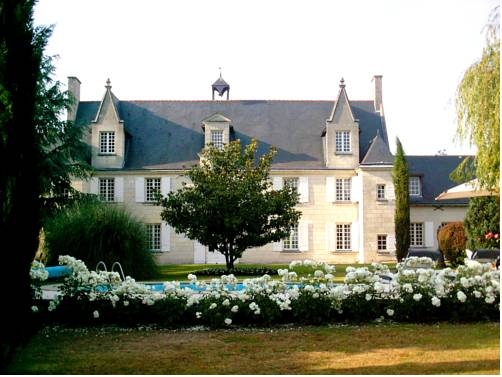 Château de la Ronde : Guest accommodation near Allonnes