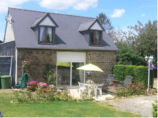 Le Jardin B&B : Bed and Breakfast near Isigny-le-Buat