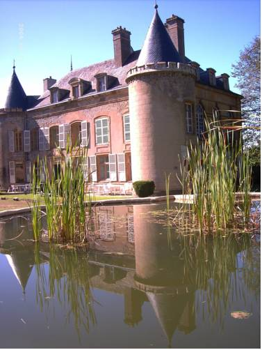 Château de Villette : Bed and Breakfast near Donchery