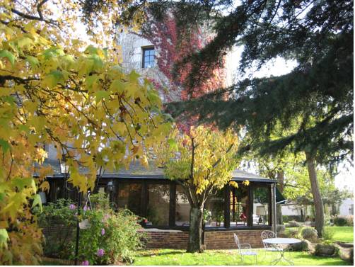 Le Relais de la Tour : Bed and Breakfast near Saint-Claude-de-Diray