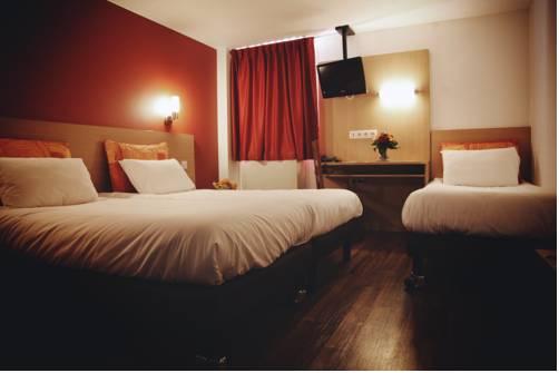 La Roseraie - Hotel & Restaurant : Hotel near Bagneux