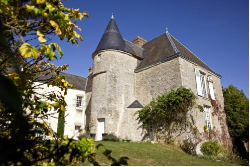 Manoir de la Chapelle : Bed and Breakfast near Saint-Germain-du-Corbéis