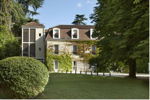 L'Orangerie du Château des Reynats : Hotel near Chancelade