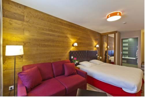 Hotel Les 2 Lacs : Hotel near Cogna