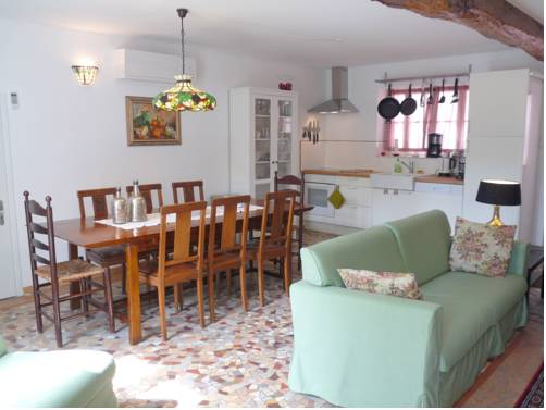 Gite Allier : Guest accommodation near Varennes-sur-Allier