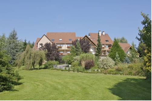 Hotel Restaurant Le Petit Kohlberg : Hotel near Kœstlach