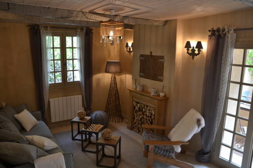 La Maison de Moustiers : Guest accommodation near Saint-Jurs