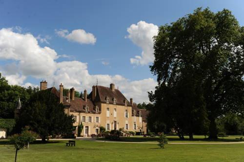 Château de Vault de Lugny : Hotel near Arcy-sur-Cure
