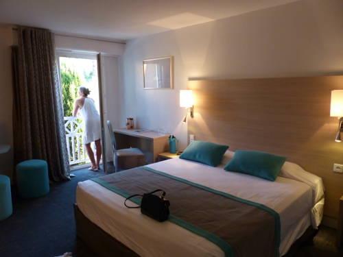 H Hôtel : Hotel near Hyères