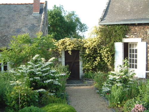 Chambres d'Hôtes La Bidetterie : Bed and Breakfast near Saint-Aubin-de-Luigné