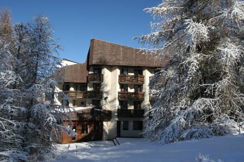 Hôtel Les Trappeurs : Hotel near Les Orres