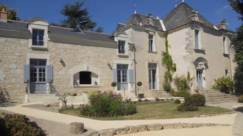 Manoir d'Orbé : Bed and Breakfast near Antoigné