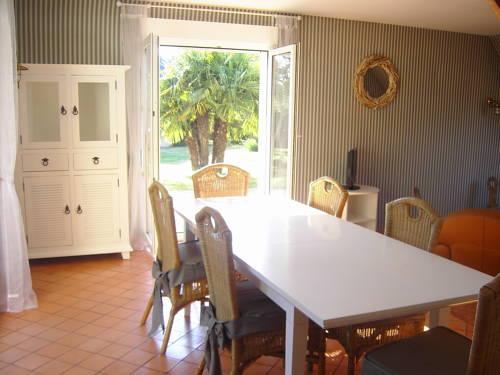 Villa Bord de Mer Kairon-Plage : Guest accommodation near Saint-Pair-sur-Mer