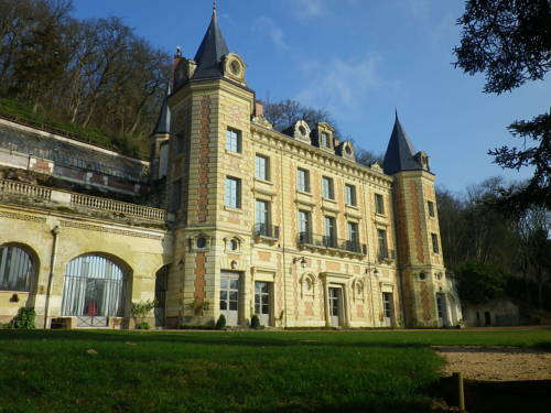 Relais du Silence Chateau de Perreux : Hotel near Pocé-sur-Cisse