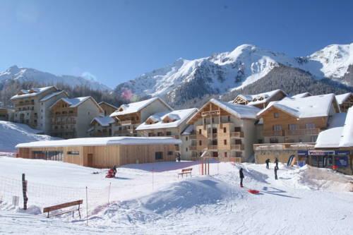 Résidence les Terrasses du Soleil d'Or : Guest accommodation near Les Orres