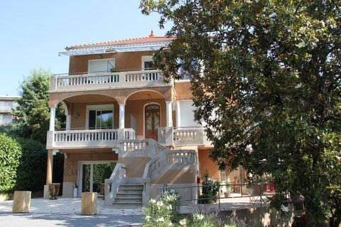 Villa Elisa M : Hotel near Aubenas