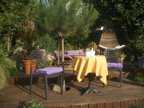 La Rocheline : Bed and Breakfast near Saint-Martin-le-Beau