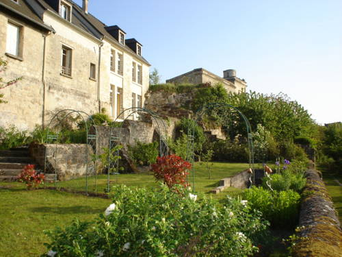 Chambres d'hôtes sur la Courtine de Coucy : Bed and Breakfast near Amigny-Rouy
