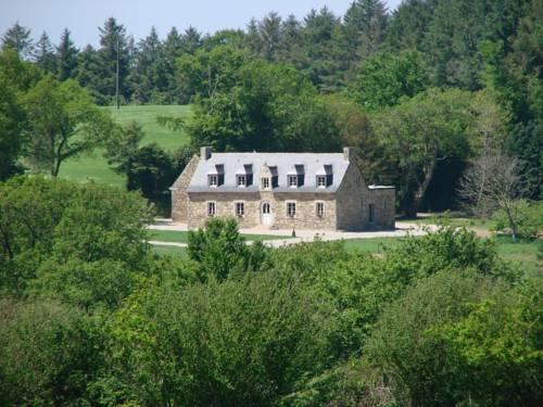 Gîte de Kerlouérien Botsorhel : Guest accommodation near Bolazec
