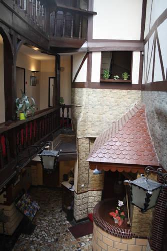 O Prestige : Hotel near Baugé