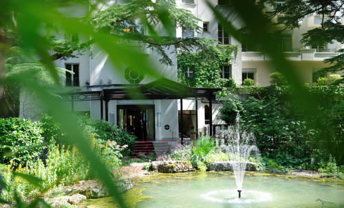 Le Grand Hôtel - Domaine De Divonne : Resort near Grilly