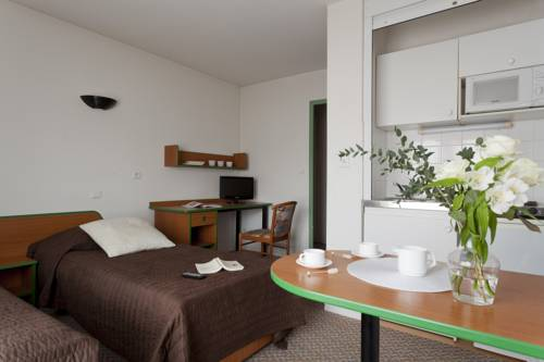 Apart Hotel Les Laureades : Guest accommodation near Clermont-Ferrand