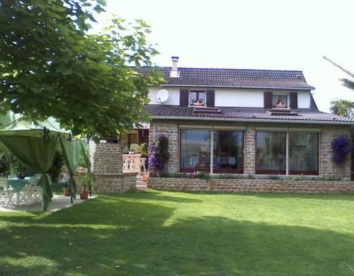 La Maison Ardennaise : Bed and Breakfast near Champigneul-sur-Vence