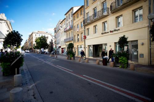 Résidence Suiteasy République : Apartment near Avignon