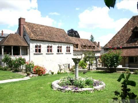 Demeure des Vieux Bains : Hotel near Seine-et-Marne