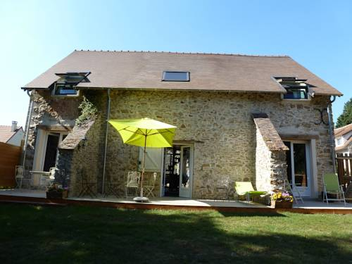 La Grange de La Guesle : Bed and Breakfast near La Hauteville