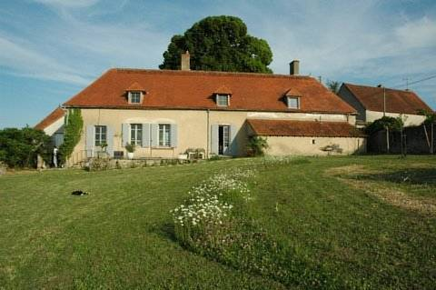 Le Manoir de Presle - Chambres d'Hôte : Bed and Breakfast near Varennes-sur-Allier