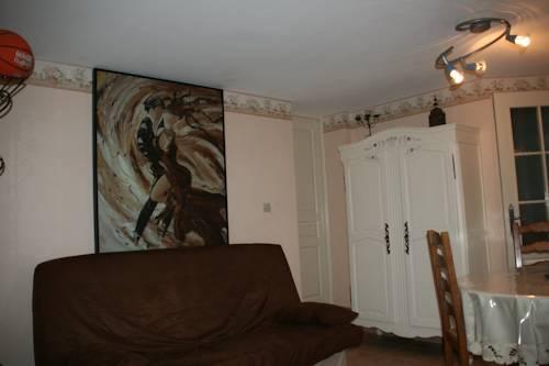 Domaine des Parisses - Gite : Guest accommodation near Lusigny