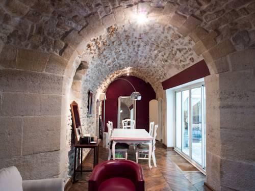 Verneuil Patio Saint Germain des Pres : Apartment near Paris 7e Arrondissement